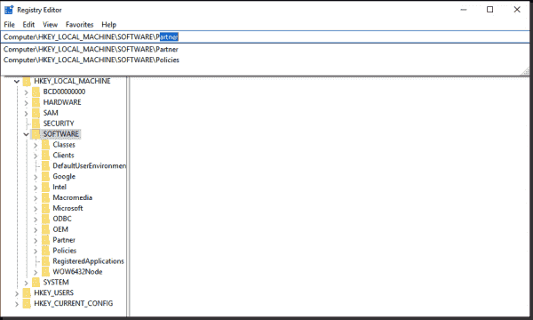 The registry editor now contains an address bar that supports auto completion